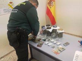 Sucesos.- Detenido un joven por vender droga en zonas de ocio de Villaverde del Río