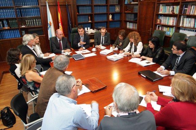 O conselleiro de Cultura, Educación e Ordenación Universitaria en funcións, Rom
