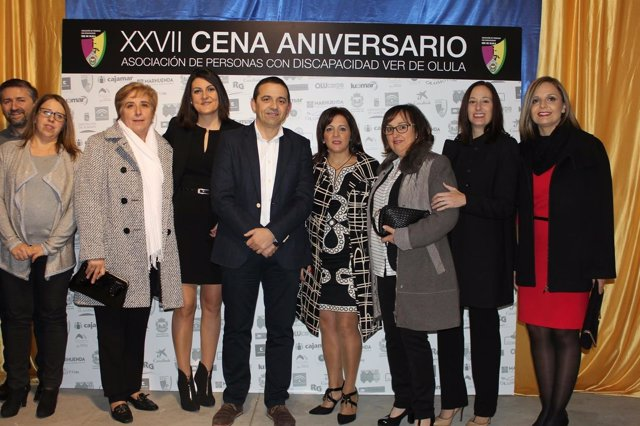 La Asociación 'Ver de Olula' celebra sus 27 años con una cena de Navidad.