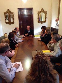 Reunión del alcalde con vecinos de Las Protegidas