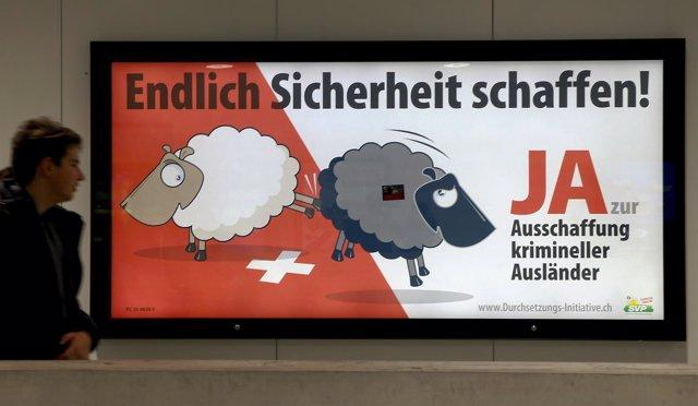 Cartel a favor de la deportación de los inmigrantes que cometan delitos en Suiza