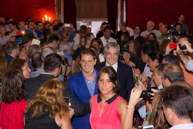 El presidente de Ciudadanos, Albert Rivera, y el economista Luis Garicano