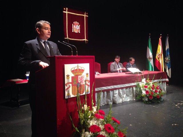 Sanz entrega el Premio Martín Alonso Pinzón