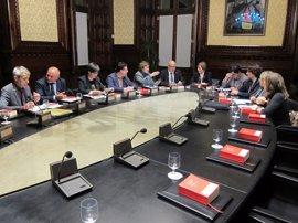 El Parlament tumba los recursos de PSC, C's y PP y tramita las cuentas del referéndum