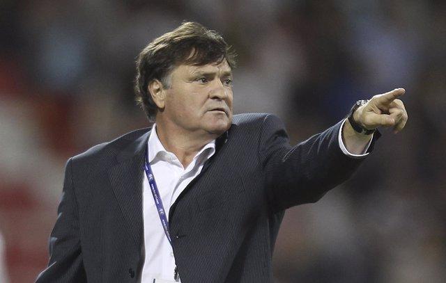 El entrenador español José Antonio Camacho