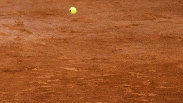 Pista cancha tenis tierra batida pelota