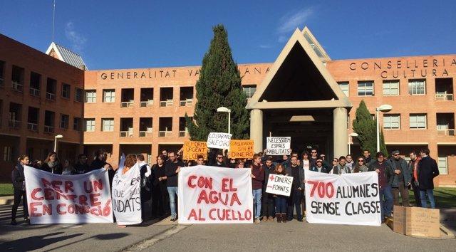 Protesta de alumnos del Conservatorio Superior de Música Joanquín Rodrigo