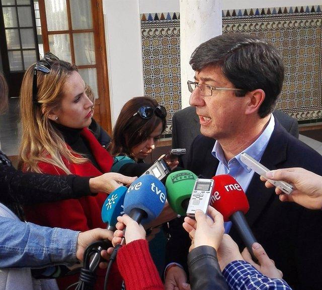 El presidente parlamentario de C's, Juan Marín, en declaraciones a los medios