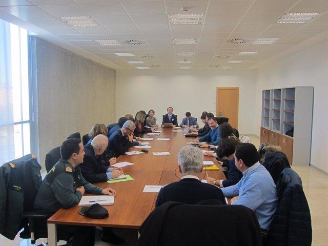 Fiscalía celebra una reunión sobre maltrato animal pionera en España