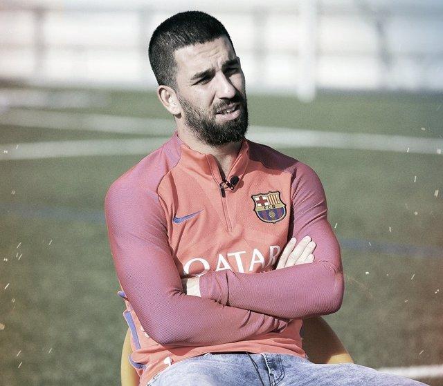 Arda Turan, jugador del FC Barcelona en una entrevista