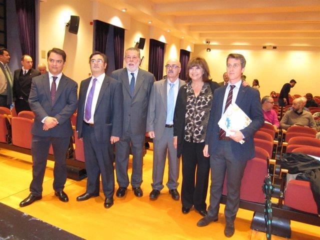 Blanco y Chacón (centro) en la inauguración de la jornada