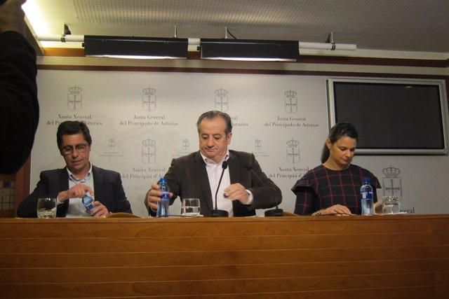 Nicanor García, en el centro