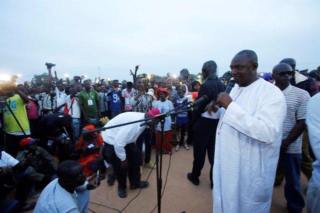 Adama Barrow, candidato opositor