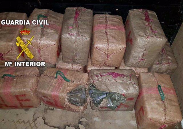Fardos de hachís intervenidos en Santa Elena