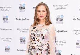 """Natalie Portman denuncia el sexismo y racismo en Hollywood: """"Todas las películas tratan de hombres blancos"""""""