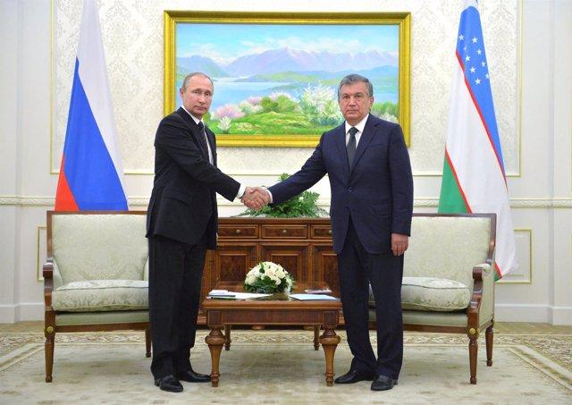 Vladimir Putin y Shavkat Mirziyoev