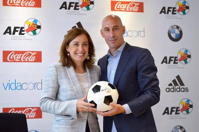 Luis Rubiales, presidente de AFE, y la directora del WFS, Marian Otamendi