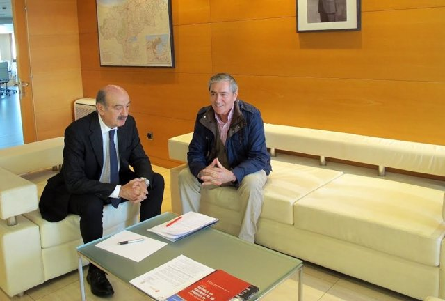 Mazón y Ruiz Moya
