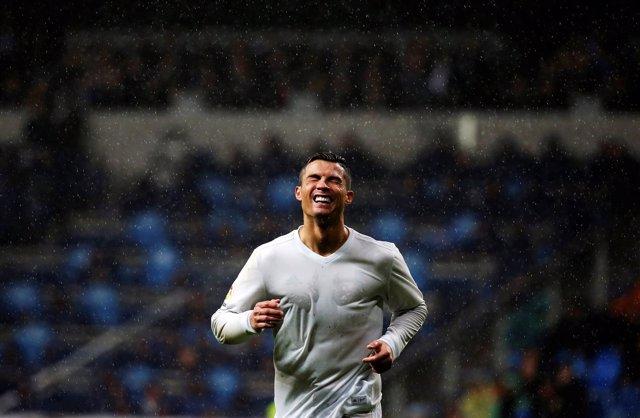 El jugador del Real Madrid Cristiano Ronaldo bajo la lluvia