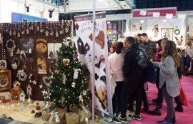 Más de 7.000 visitantes acuden a la primera edición de Creativa Málaga en Fycma