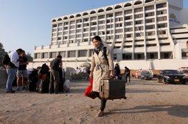 Mueren once personas y 30 resultan heridas en un incendio en un hotel en Pakistán