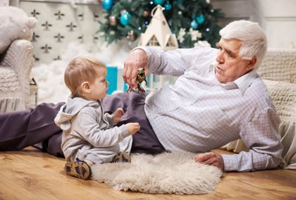 Navidad con los nietos: ocio para abuelos 'canguro'