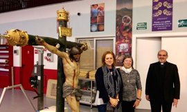 Cultura entrega la imagen del Santísimo Cristo del Amparo a la Iglesia de San Nicolás de Murcia