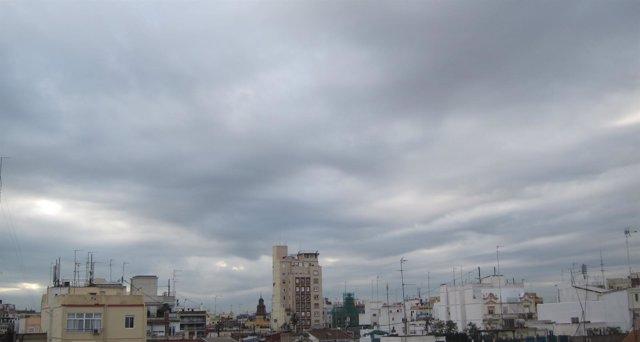 Cielo nuboso en Valencia este martes
