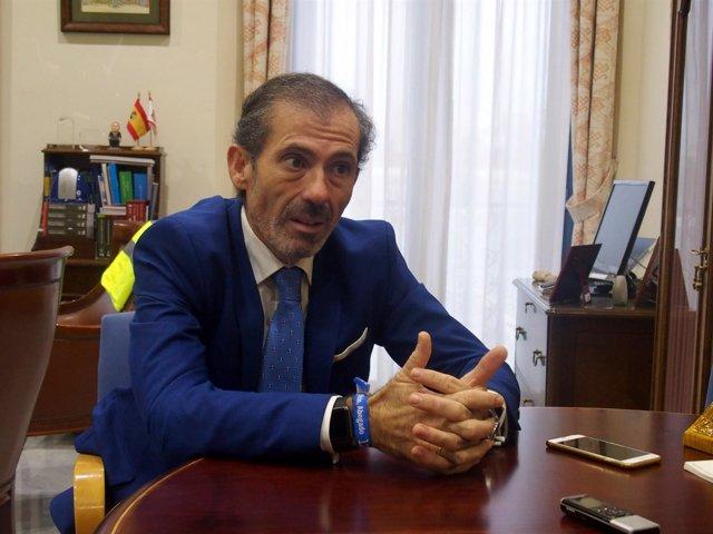 El decano del Colegio de Abogados, Francisco Javier Lara