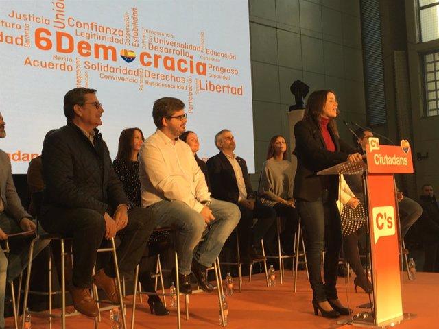 Inés Arrimadas interviene en el acto de C's en el día de la Constitución