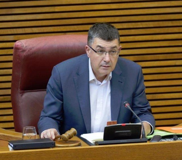 El presidente de las Corts Valencianes, Enric Morera