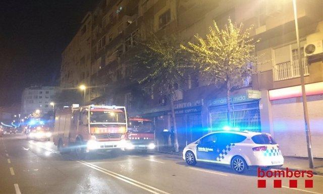 Incendio en un piso de L'Hospitalet de Llobregat (Barcelona)
