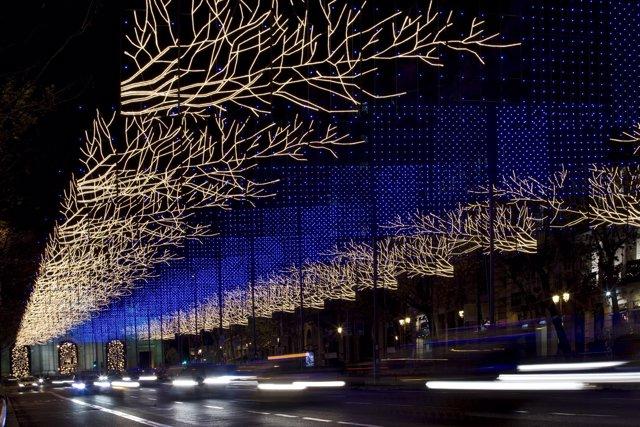 Iluminación de Navidad en Madrid por la empresa Ximénez