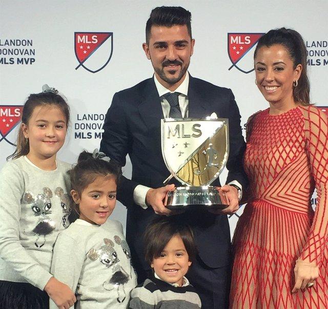 David Villa recoge el trofeo como MVP de la MLS