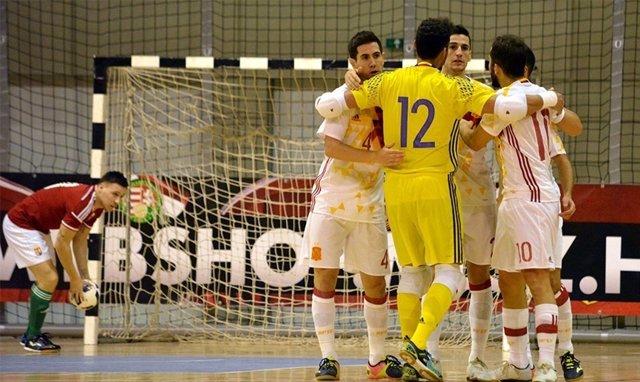 España gana a Rusia en un amistoso de fútbol sala