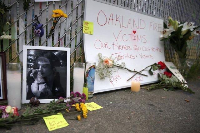 Víctimas del incendio de un almacén en Oakland, Estados Unidos