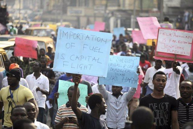 Manifestación celebrada en 2012 en Nigeria contra el encarecimiento del petróleo