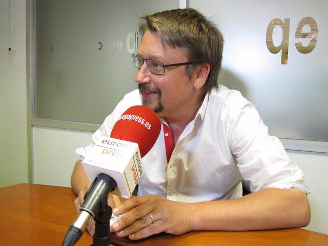 Xavier Domènech (EncomúPodem) en una entrevista de Europa Press