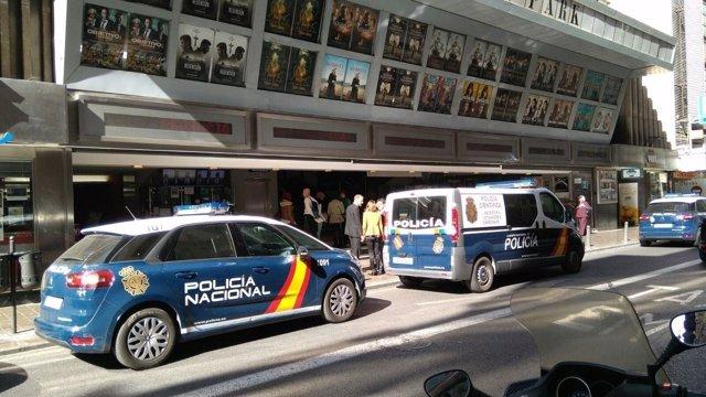 POLICÍAS EN LOS CINES