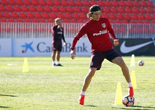 Filipe Luis en un entrenamiento del Atlético de Madrid