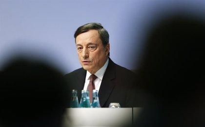 El BCE añade más de medio billón de euros a su estímulo y relaja las condiciones para las compras de deuda