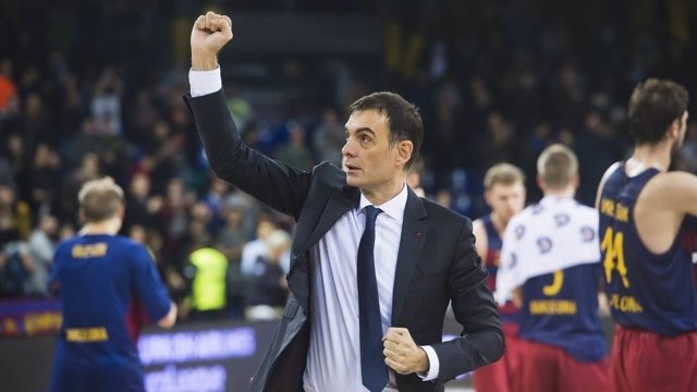 El Entrenador Del FC Barcelona Lassa Georgios Bartzokas