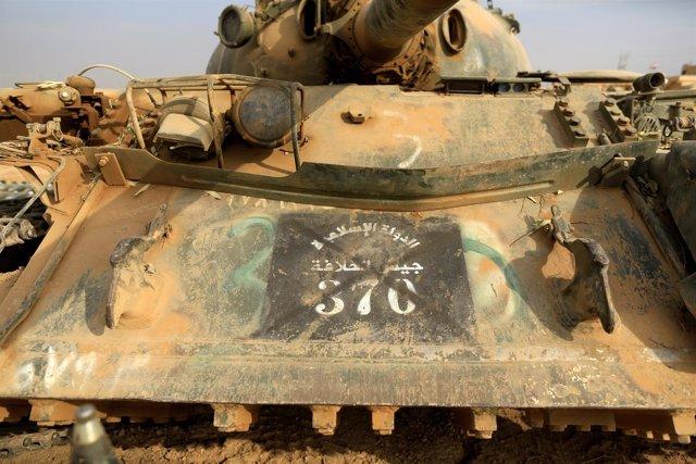 Un tanque de Estado Islámico capturado por el Ejército iraquí