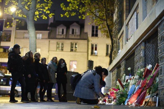 Muestras de solidaridad con las víctimas de los atentados de París
