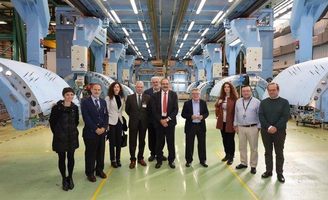 Visita de senadores del PSOE a Airbus