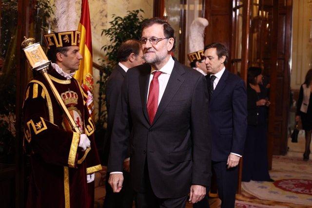 Pastot y García Escudero saludan a Rajoy en el Día de la Constitución