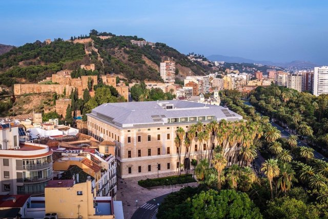 Palacio de la Aduana Museo de Málaga centro cultura obras artes arqueología pina