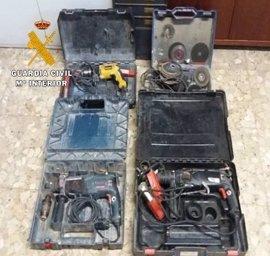 Dos detenidos en Villarrobledo, uno de ellos menor, por una decena de robos