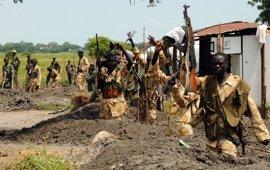 La UE insta a la ONU a imponer un embargo a Sudán del Sur y amenaza de nuevo con sanciones