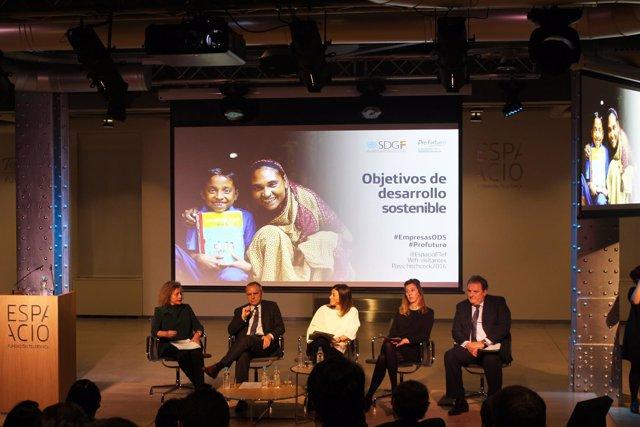 Paloma Durán, Directora del Fondo ODS y Giovanni di Plácido, Director de Estrate